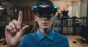 AR 眼镜的时代即将到来?Oculus 首席技术官却泼了盆冷水