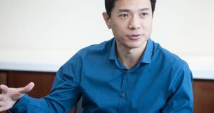 AI先生李彦宏两会四提案好奇说了啥?其实三项与AI有关