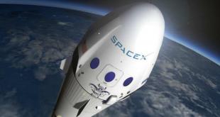 为什么每年100万人争着去SpaceX?